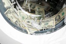 США снова оштрафовали Deutsche Bank за отмывание денег