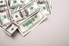 Президент подписал законопроект о валютном регулировании