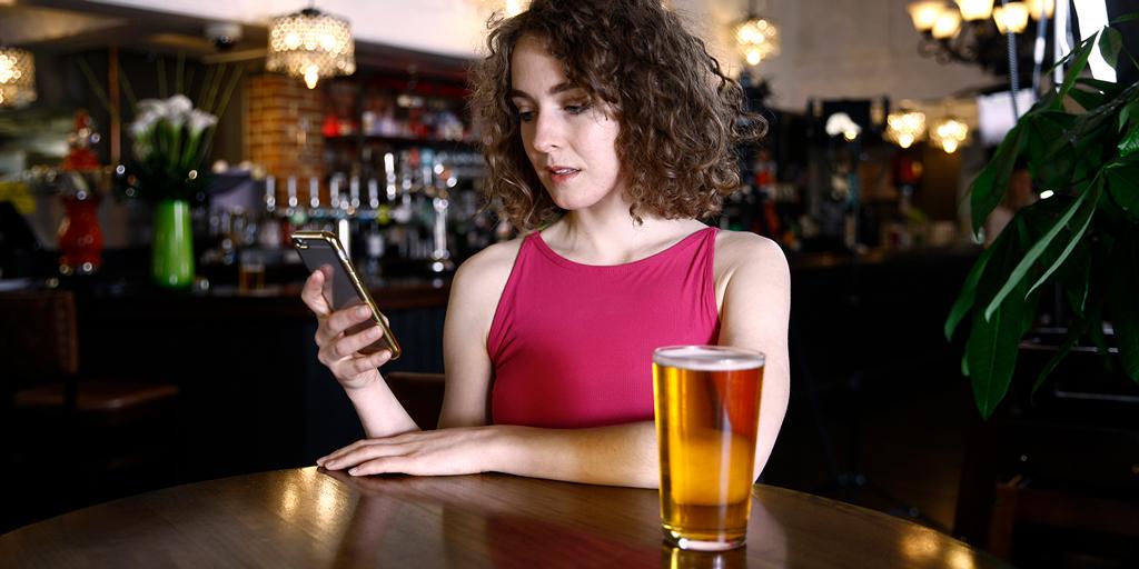 Мобильное приложение блокирует карту