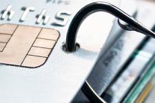 В Украине развивается новый вид мошенничества с банковскими картами