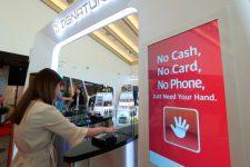В Южной Корее представили первую в мире систему оплаты ладонью