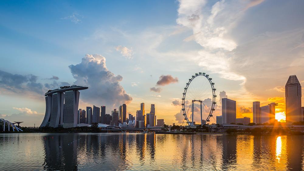 Безналичное общество в Сингапуре