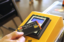 Бесконтактным платежам в метро 2 года: как технология изменила жизнь пассажиров подземки
