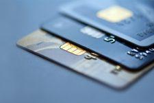 Один из крупнейших банков Украины повышает стоимость обслуживания карт