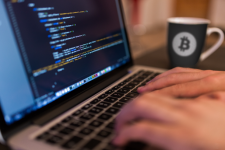 Как стать миллионером: бывший программист обогатился благодаря криптовалютам