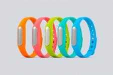 Чьи браслеты лучше: назван лидер продаж носимой электроники