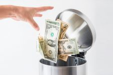 Почти половина американцев предпочитает цифровые платежи вместо наличных