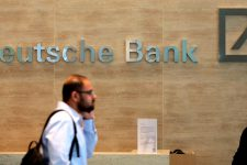 Немецкий Deutsche Bank променяет людей на роботов