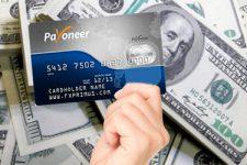 Украинцы смогут получать переводы Payoneer в долларах: в ПриватБанке уточнили детали