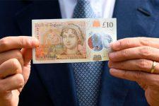 Пластиковые деньги: какие страны печатают банкноты из полимера (фото)