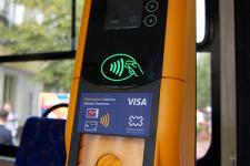 Впервые в Украине: Житомир перешел на бесконтактную систему оплаты проезда