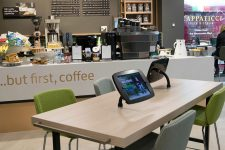 Кофе и биометрия: европейский банк открыл инновационные отделения