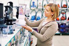 Каждый третий покупатель в Украине берет технику в кредит