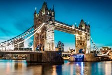 В Британии закрылось две трети банковских отделений