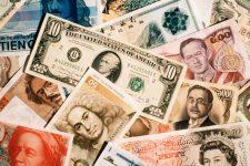 В НБУ разрешили выводить валюту за рубеж не только банкам