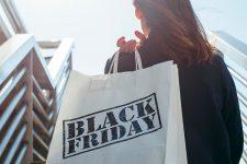 Франция без Черной пятницы: в стране хотят запретить рекламу распродаж