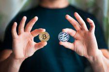 Почти все популярные криптовалюты подешевели с начала сентября