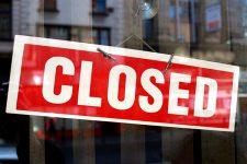 Крупнейшие украинские банки закрывают свои отделения