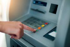 В киевских банкоматах госбанков закончились деньги