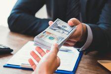 Нацполиция подозревает сотрудников НБУ в сговоре с 37 банками
