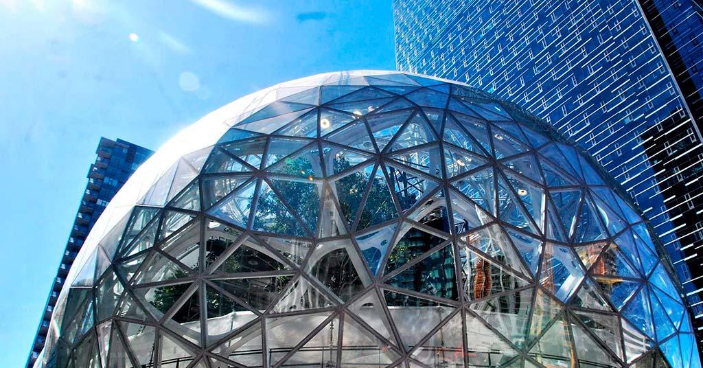 Стеклянные джунгли: Amazon открыл необычную штаб-квартиру (фото)