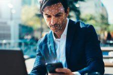 Как не дать алгоритмам распознать ваше лицо: рецепт от экс-спецназовцев