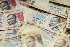 Пример для всего мира: Индия откажется от наличных