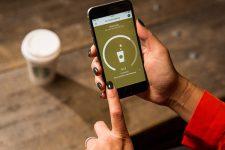 Starbucks перестанет принимать наличные в одном из кафе