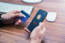 Банки двух стран запретили клиентам покупать криптовалюты картами