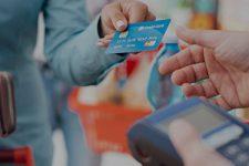 Оплата картой: как в Украине отказываются от наличных