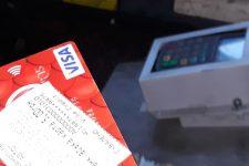 Впервые в Украине: в маршрутном такси можно расплатиться банковской картой