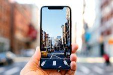 Apple планирует выпустить три новых смартфона