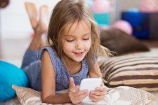 """Facebook создаст """"детскую"""" версию Instagram – СМИ"""