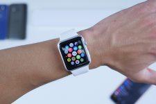 Apple начнет выпускать смарт-часы с Face ID