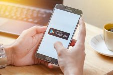 App Store и Google Play заработали миллиарды на игроманах