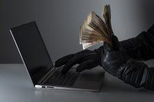 Сколько денег ежегодно отмывают киберпреступники — исследование