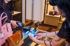 Китайский кошелек Alipay стал доступен для шопинга в крупнейшем ТЦ