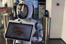 В отделении одного из крупнейших банков Китая работают только роботы