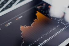Впервые за 87 лет: индекс Доу-Джонса показал рекордный рост