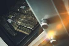 Борьба с мошенничеством: в Британии введут налог на денежные переводы