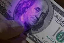 Фальшивые деньги: какие купюры чаще всего подделывают в Украине