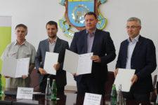 Транспорт без наличных: еще в одном городе Украины запустят оплату проезда картой