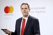Как живет безналичное общество — интервью с экспертом Центробанка Швеции