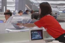 В китайском ресторане официантов заменили роботы и конвейеры (фото, видео)