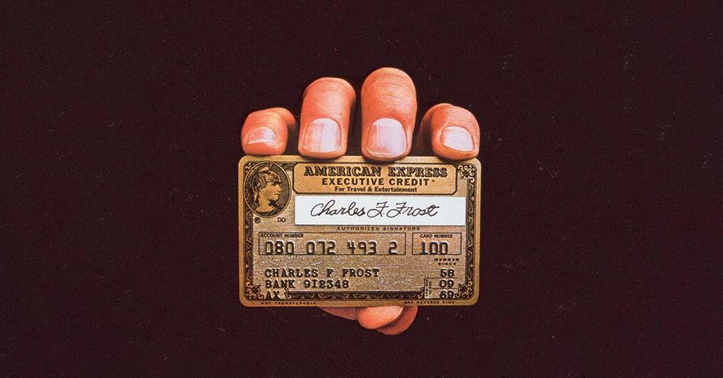 Как появились кредитки: история платежных карт (инфографика)