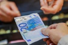 Mastercard: миллионы европейцев не пользуются банковскими счетами. Как это исправить