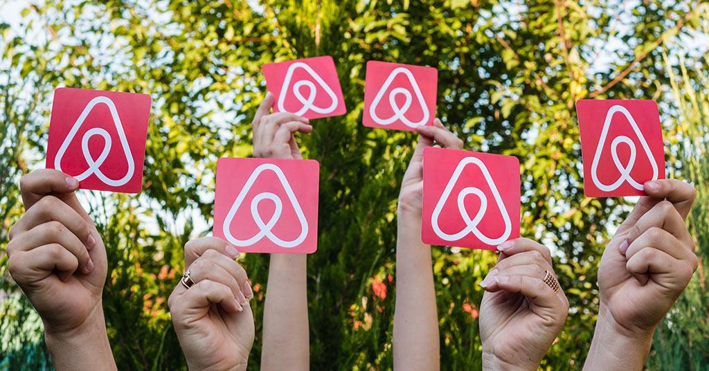 акции Airbnb