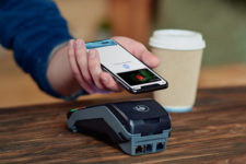 Samsung Pay и Google Pay могут появиться на iPhone