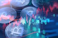 Как изменился курс биткоина за 10 лет — данные Bloomberg