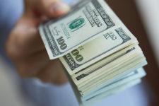 Оплата наличными поможет сэкономить деньги — исследование